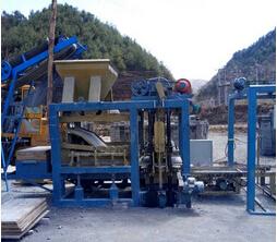 液压系统控制免烧砖机制砖生产线