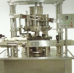 GH柱塞式浓酱灌装机