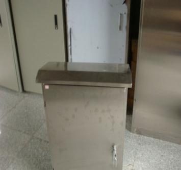 厂家优惠供应--户外防雨不锈钢配电箱