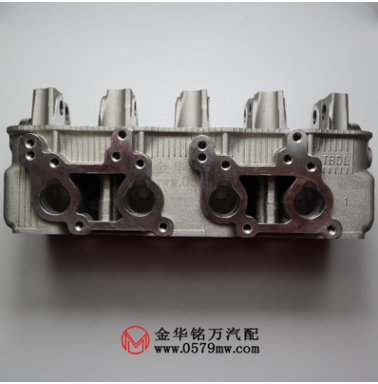 哈飞民意 五菱之光DA465-1A东安465发动机汽气缸盖