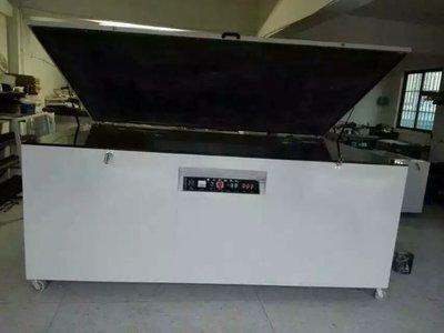 厂 家直销/大型曝光机 /真空晒版机 /丝印台式晒版机/ 可订做维修
