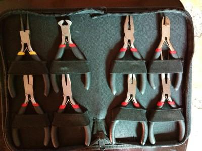 厂家直销8件套迷你钳子 整包迷你工具钳8件套 举报 本产品采购属于商业贸易行为