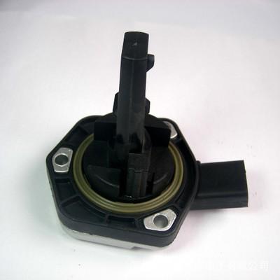 适用帕萨特B5奥迪机油位置传感器油温传感器汽车传感器1J0907660B