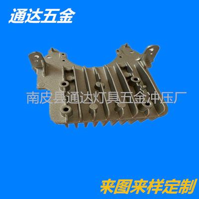 厂家定制压铸铝件 现货汽车灯具散热器外壳 汽车散热器 压铸铝件