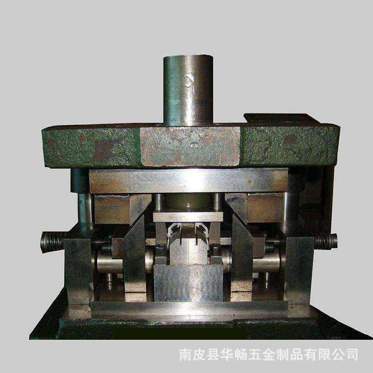 南皮县生产厂家定制高精度冲压模具 可代加工产品 欢迎来电来图