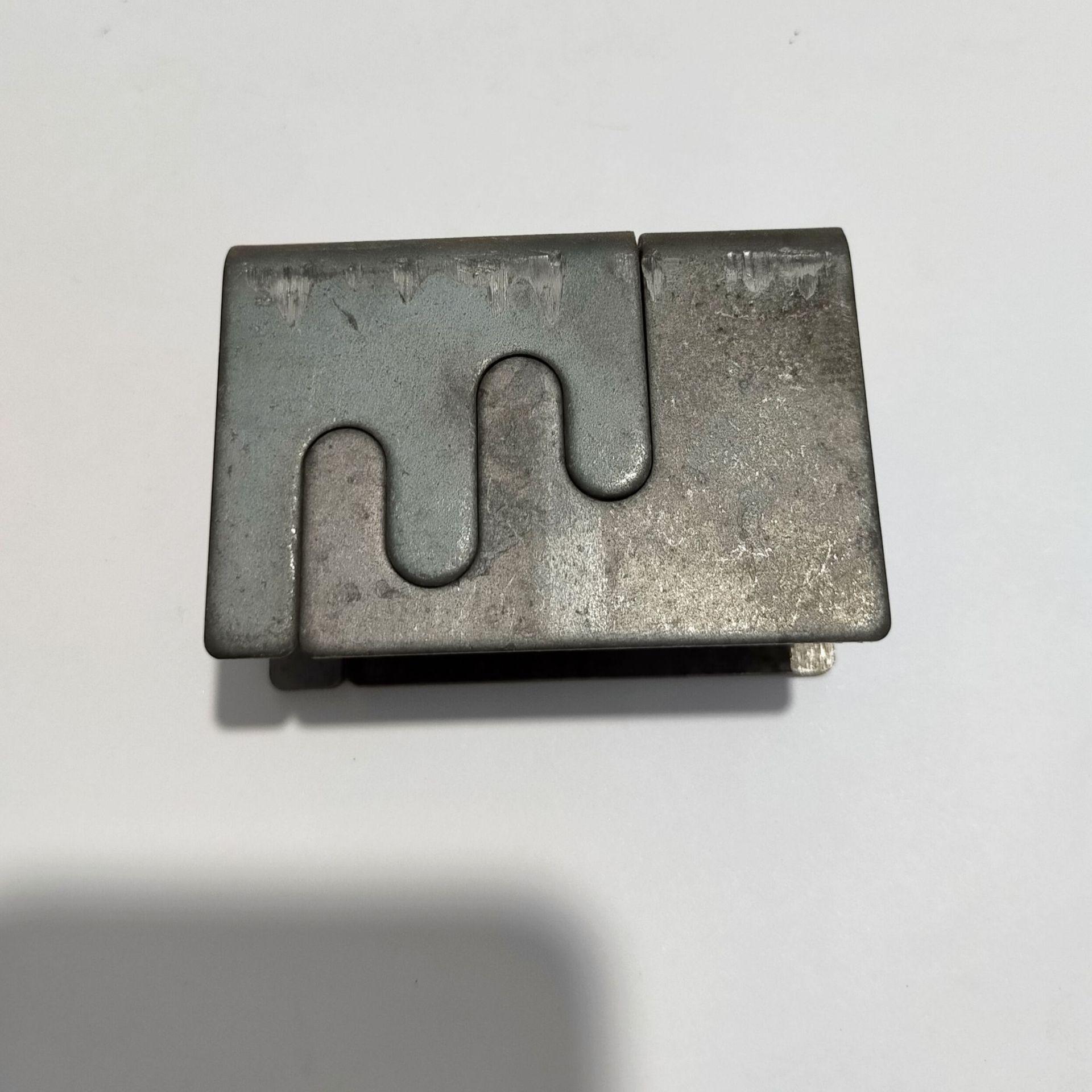金属卡扣 桌架子母扣 方管连接件 铁管直角焊接配件 办公家具配件