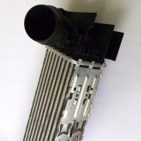厂家直销汽车中冷器适用BMW F30 1751 7600 530铝塑散热器批发