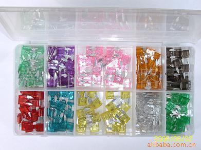 优德88中文客户端塑盒装汽车插片式保险丝